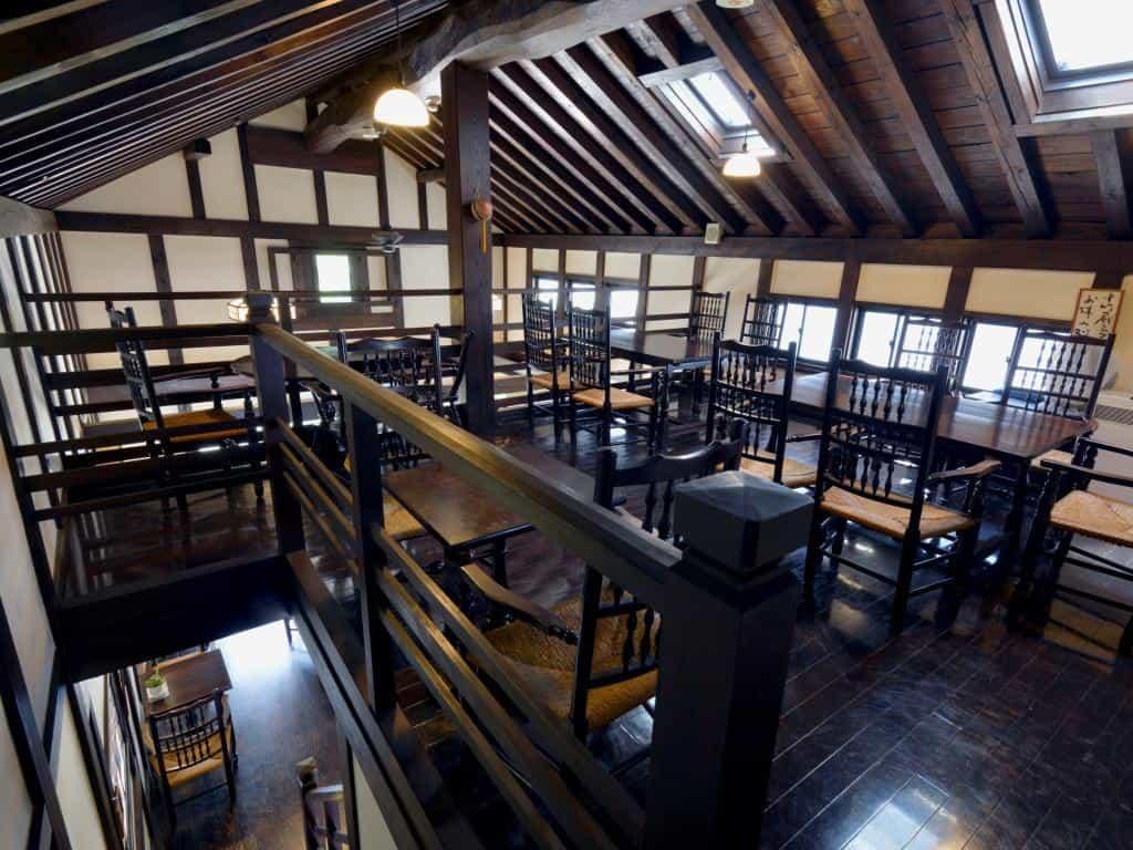 松本市中町蔵シック館カフェ内部
