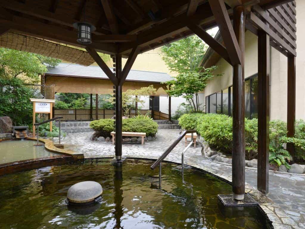 板橋区さやの湯処露天風呂