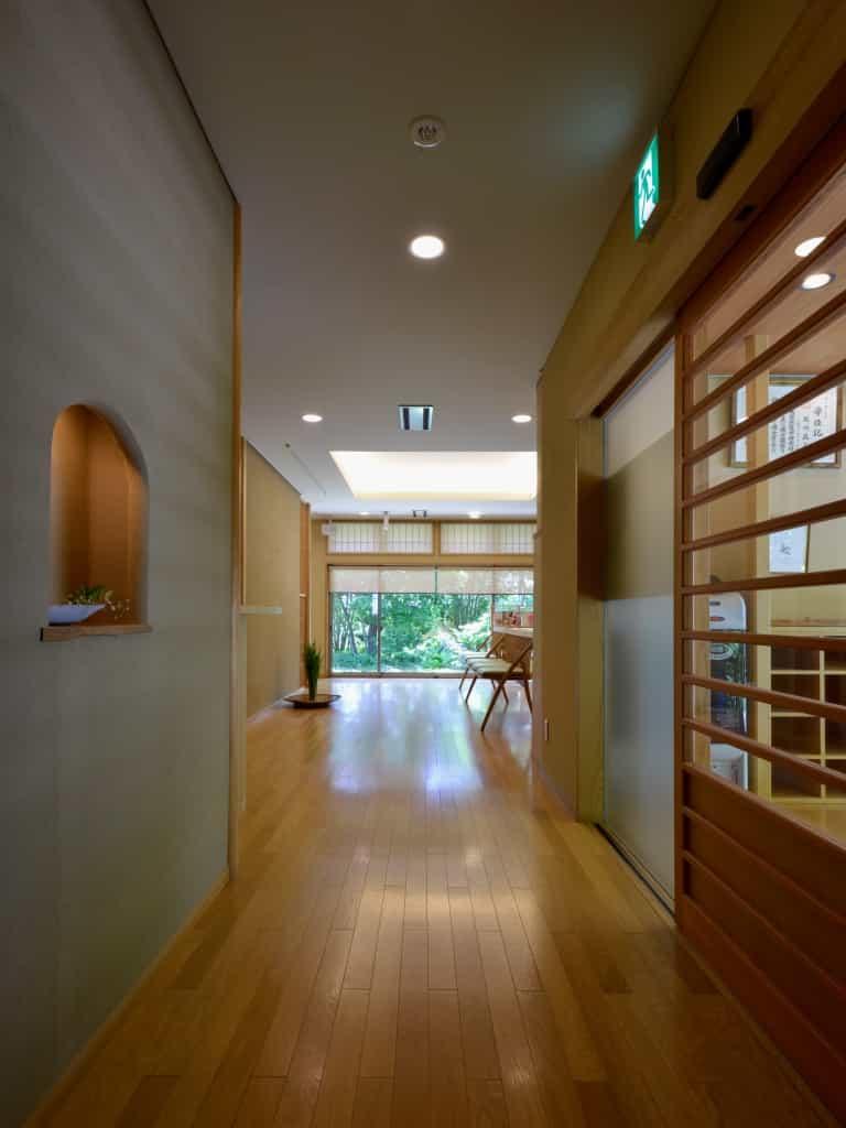 松本市石川醫院通路
