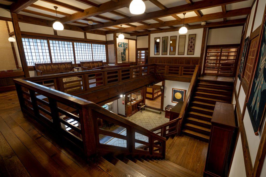日本民藝館階段